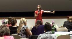 Wendy Ida rivits an audience